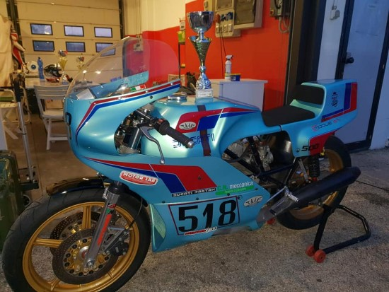 La Moto Di Rossano con Logo Motorlab Custom