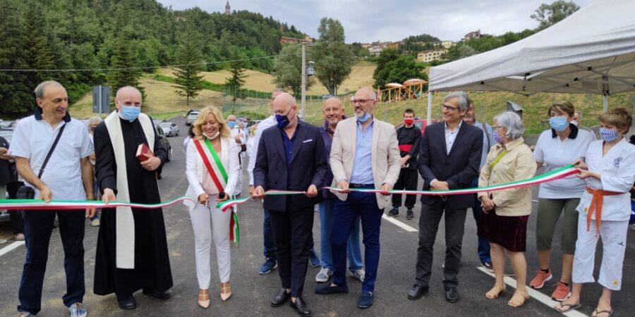 Bonaccini, Panzacchi e Pinto all'inaugurazione dei rinnovati impianti sportivi di Monghidoro