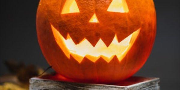 Laboratorio maschere di Halloween